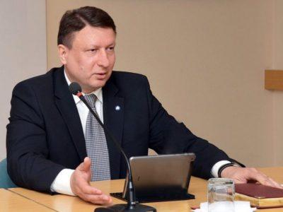 «Поправки в Конституцию позволят России сохранить национальную идентичность», — Олег Лавричев