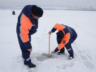 Собрался на рыбалку: посмотри на лёд! Безопасно ли сейчас на водоёмах Павловского округа?